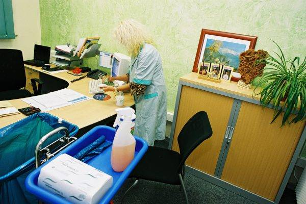 Dépoussiérage et Nettoyage des bureaux